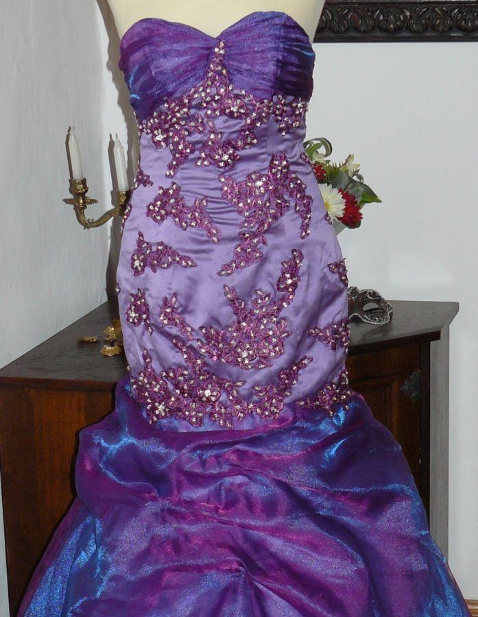 e81add21561 ... originální šité na míru. naše modely » plesové autorské » a na  objednání · plesové šaty » p na objednání » klasické